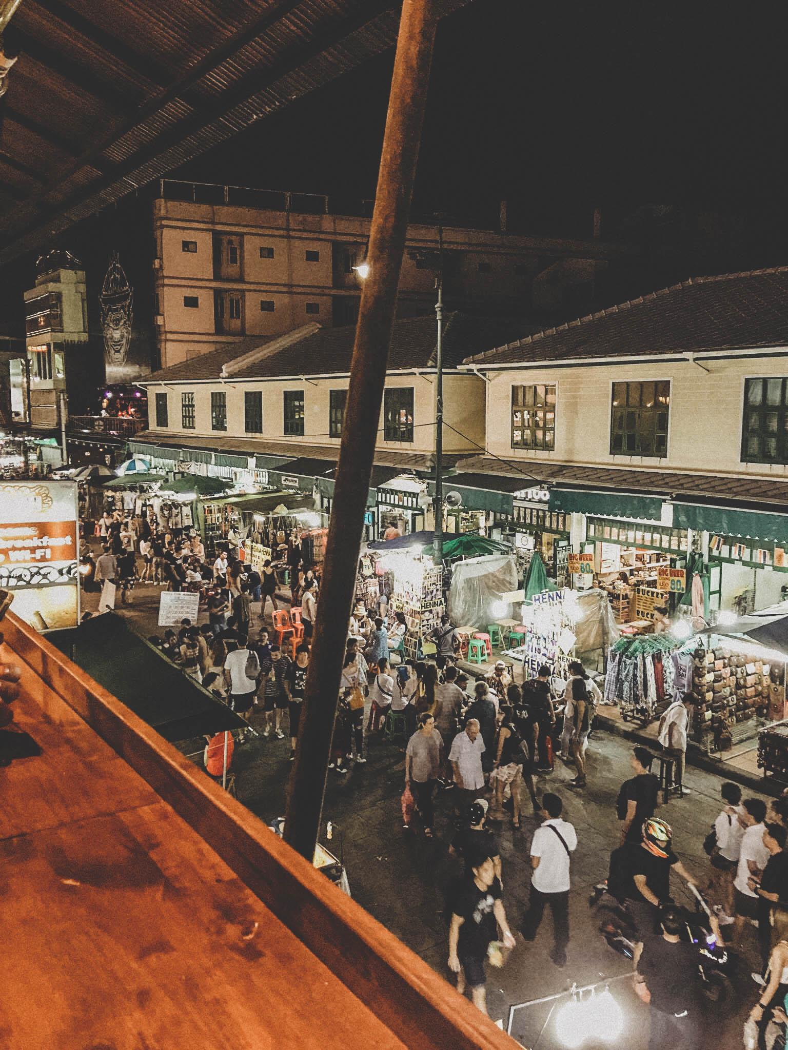 Khao San Road le soir pour une verre