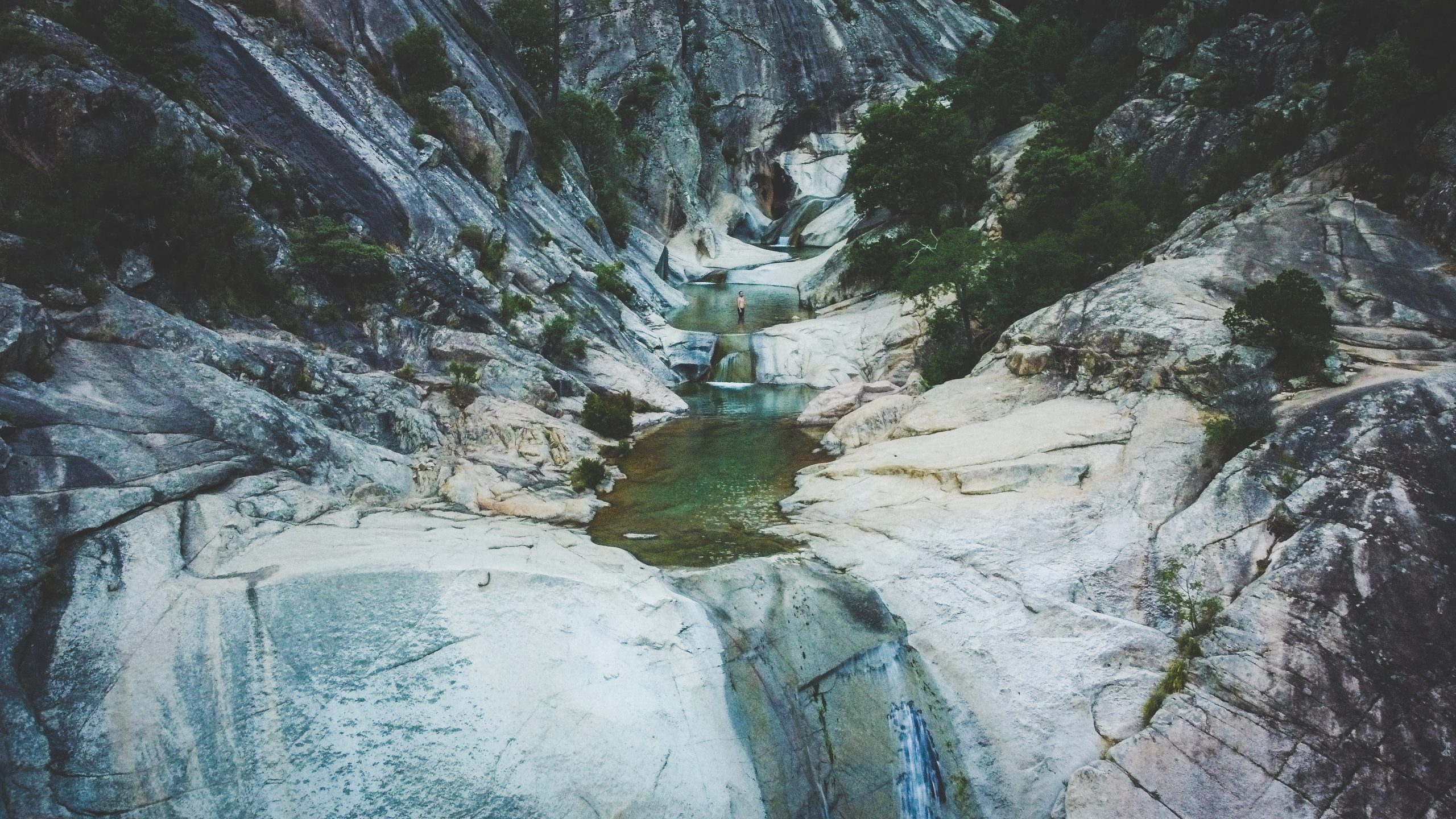 Les cascades de Purcaraccia en corse, une merveille