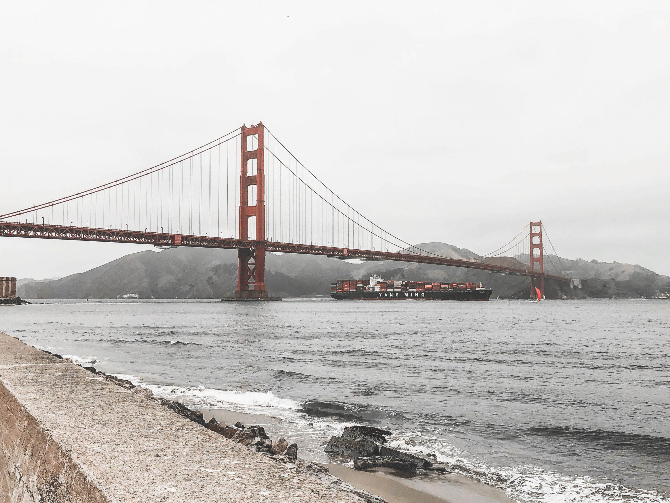 Golden Gate Bridge à San Francisco, grand pont rouge
