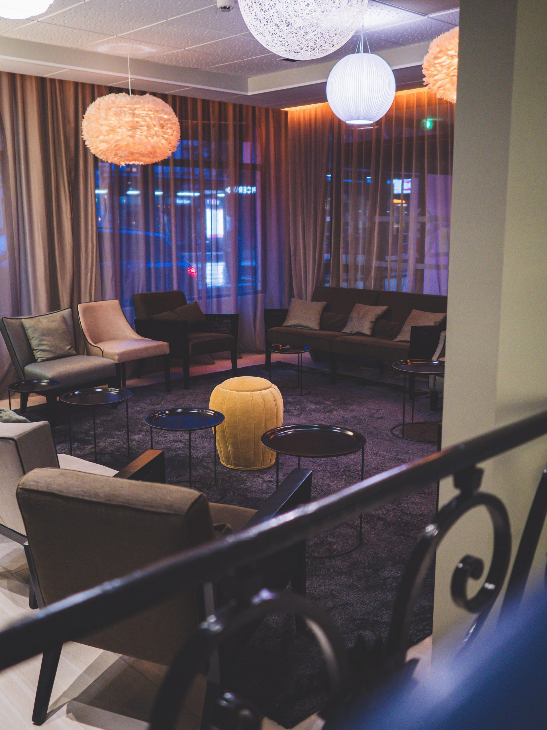 Salon commun de l'hôtel Le Jura à Dijon - Océania
