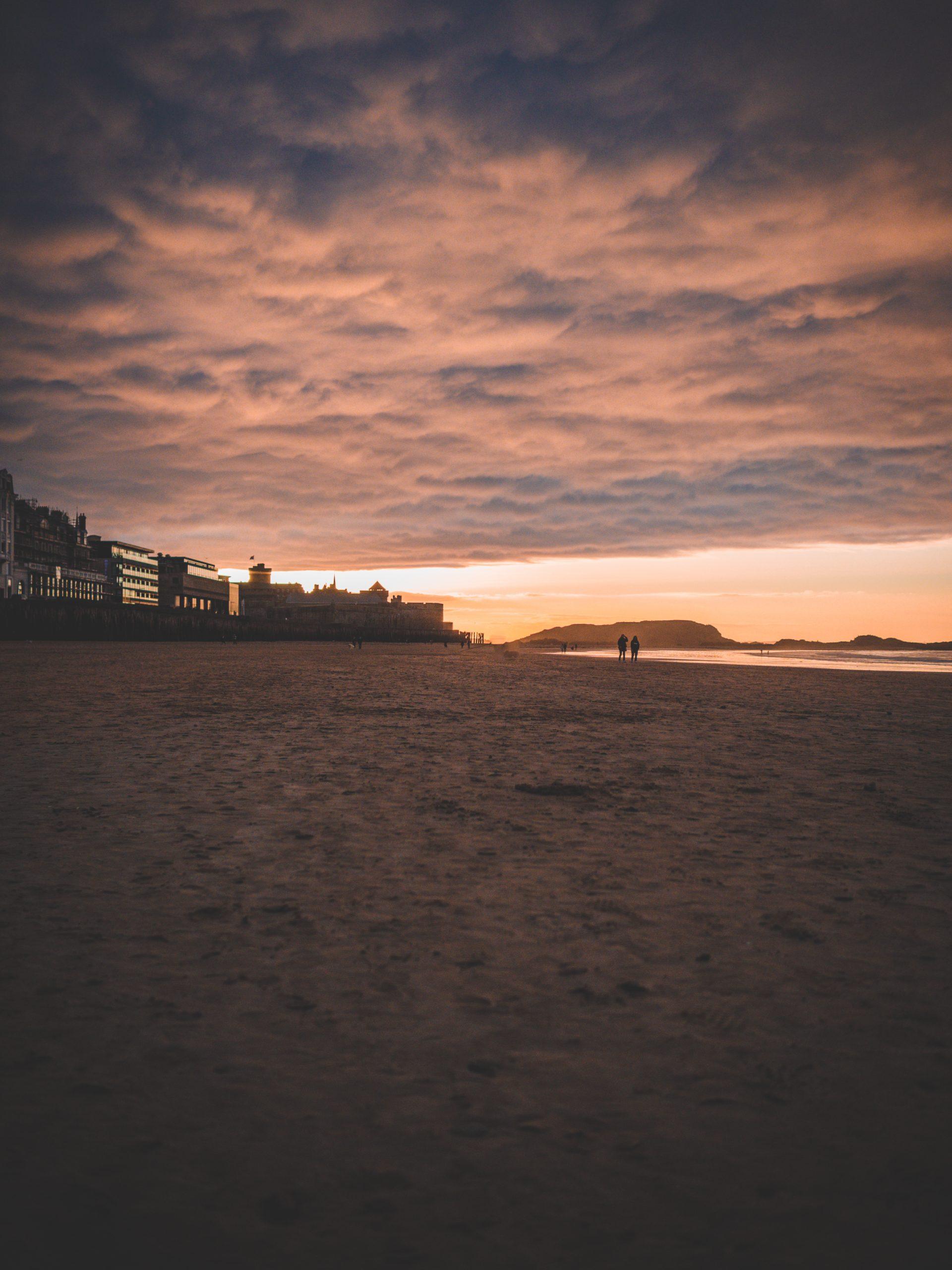 coucher de soleil sur la plage du Sillon de Saint-Malo