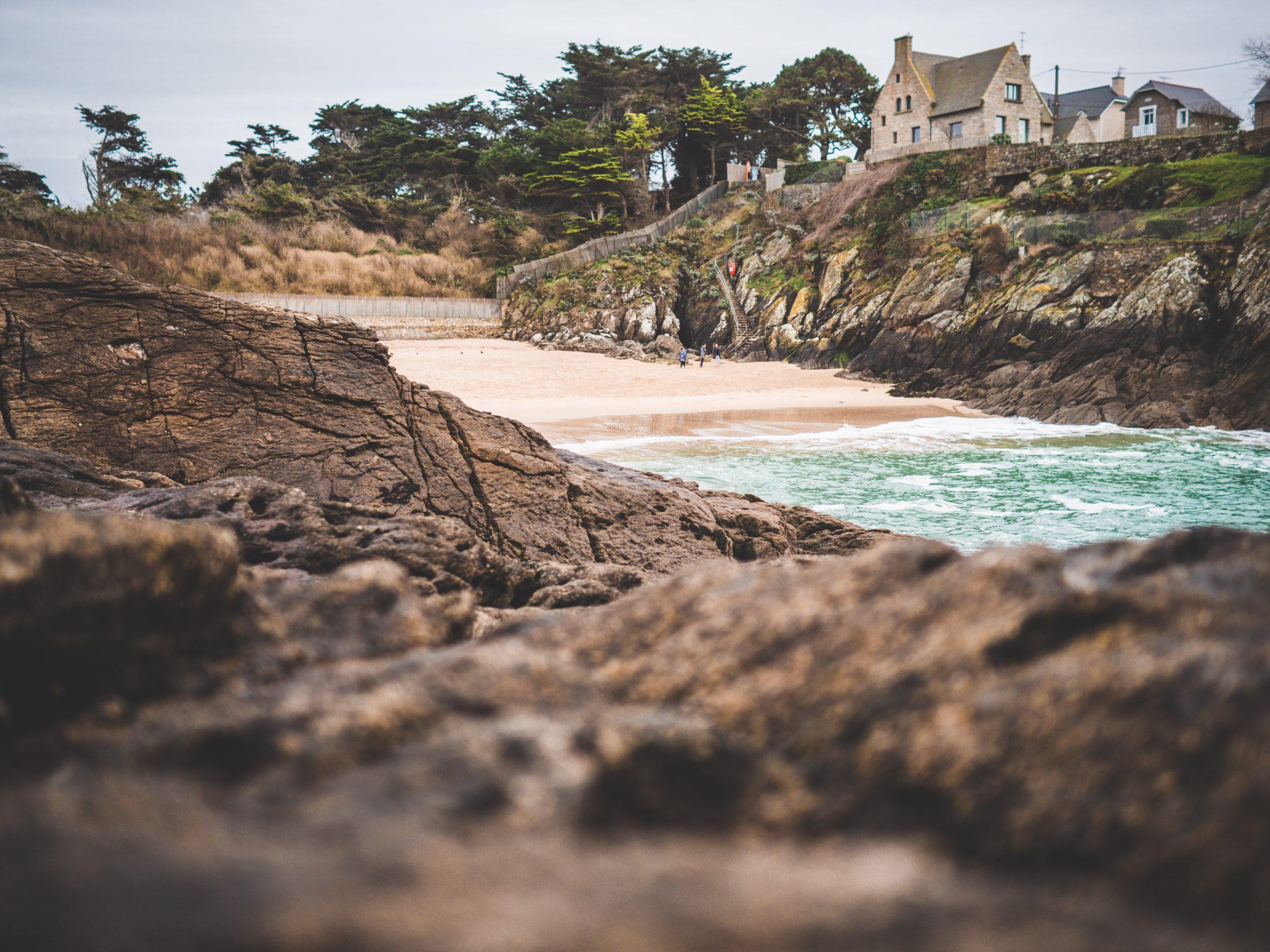 Plage du Nicet près de Saint-Malo depuis les rochers